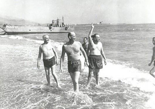 fraga-palomares-playa-bano-almeria-bomba-nuclear